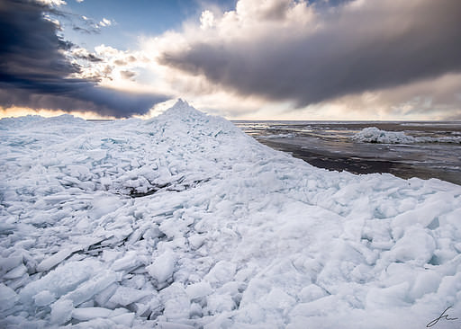 The ice tide on Vänern from 2013, photographed at Hindens Rev